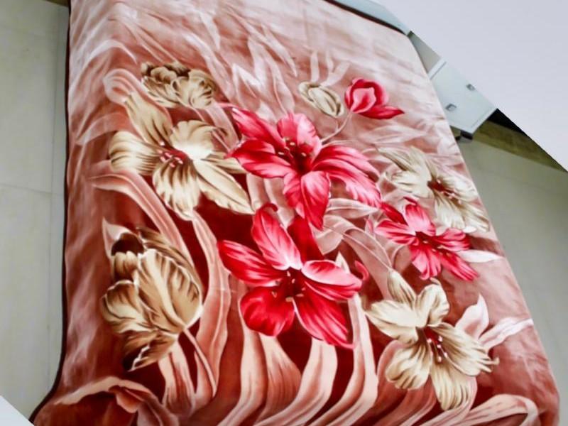 Coberdon Tradicional Floral Marrom_1